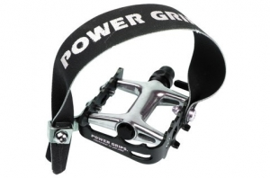 Power_Grip_Strap_on_Standard_flat_pedal